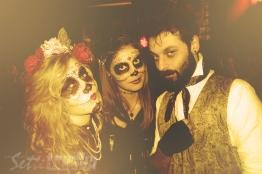 halloween, festa in maschera, con amici come questi, fotografia, foto ricordo, francesca, marta