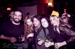 halloween, festa in maschera, con amici come questi, fotografia, foto ricordo, deg, erika, duca, china, la bionda