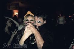 halloween, festa in maschera, con amici come questi, fotografia, foto ricordo, la bionda, daitom