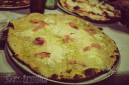 galleria immagini, al semaforo, pizza, amici, salmone, mozzarella di bufala