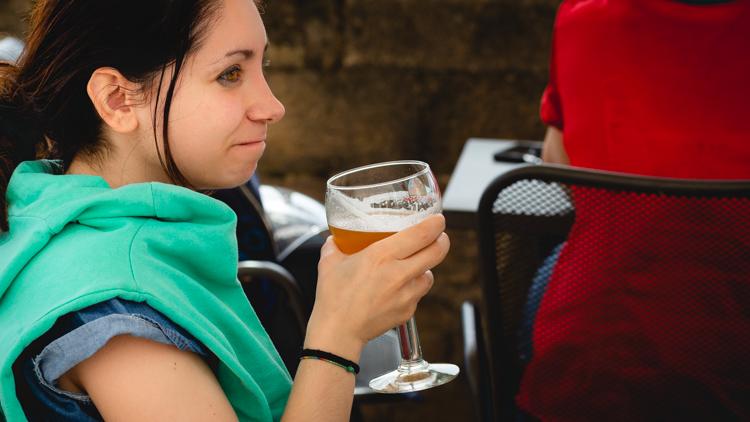 Strega, birra, belgio, aperitivo, bari, italia, muraglia, lungomare, bar